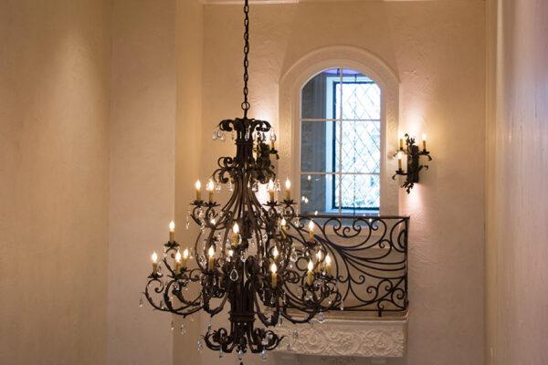 drake-residence-classic-steel-custom-outdoor-lifghting-architectural-doors-railings-winecellar-(89)