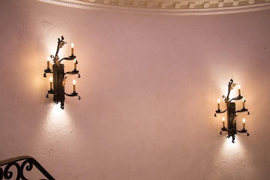 drake-residence-classic-steel-custom-outdoor-lifghting-architectural-doors-railings-winecellar-(92)