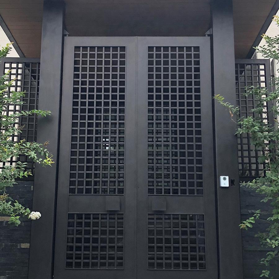 realing-gates-gallery-2