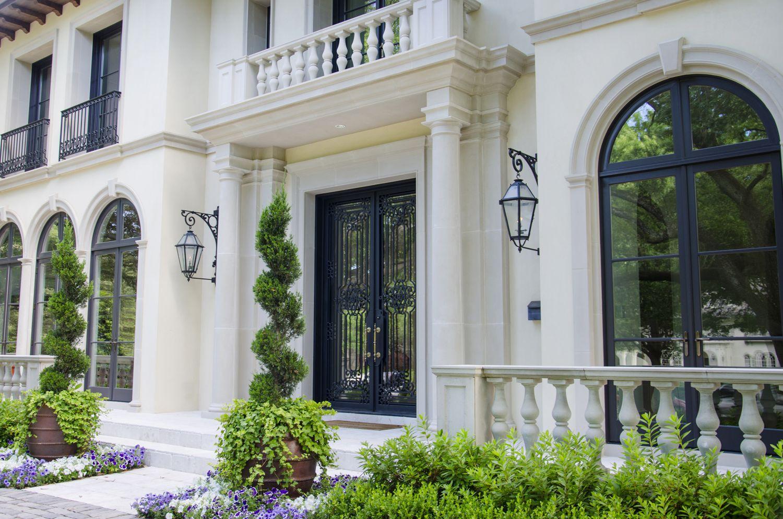 solara-custom-doors-and-lighting- Oblivion- Classic Door- (6)